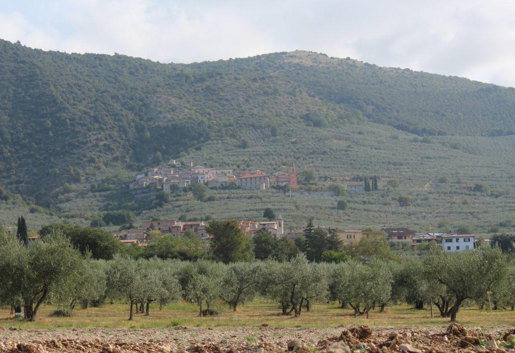 Communities on the way to Trevi (Photo: © Henri Craemer)