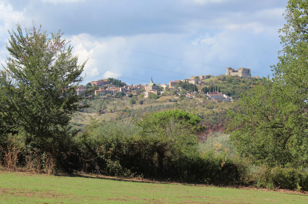 Distant Castello Orsini as viewed from the destination of Stage 25 near Ponticelli (Photo: © Henri Craemer)