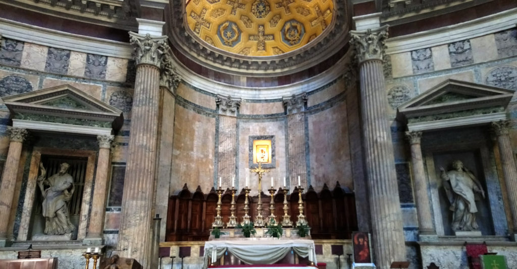 The altar in the Pantheon now, dedicated as the church of St. Mary and the Martyrs (Photo: © Henri Craemer)