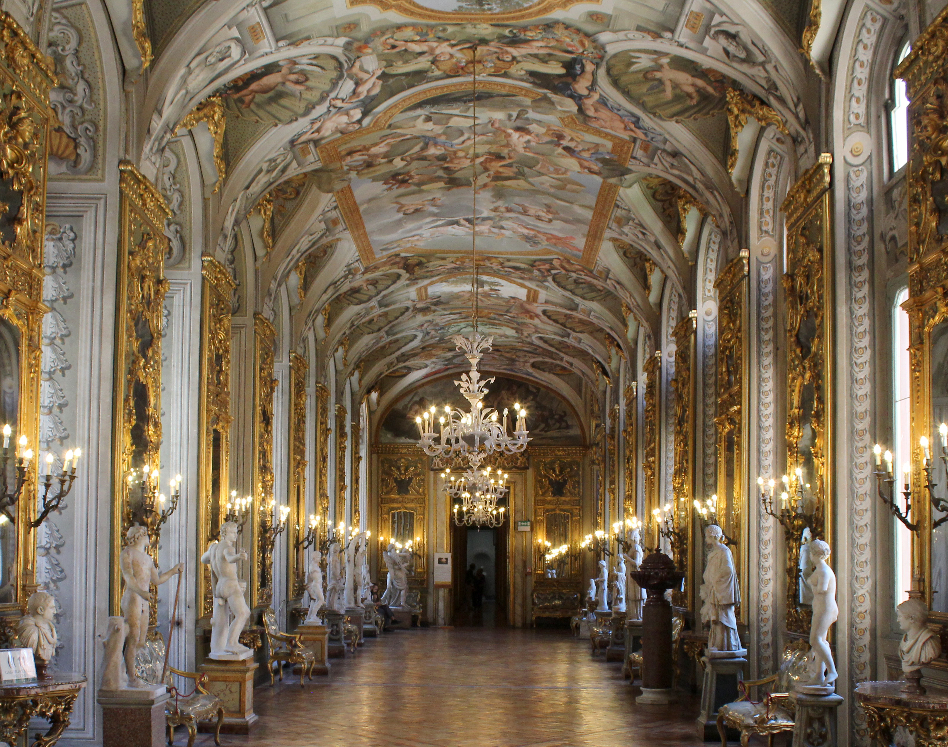 The Doria Pamphilj Museum: Hall of Statues & Mirrors (Photo: Henri Craemer)